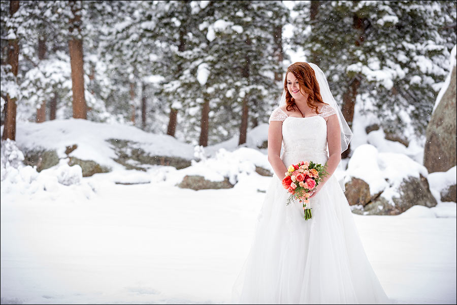 wedding photo of the bride in the snow